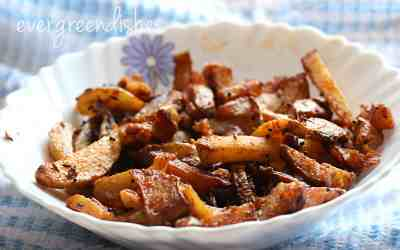 Potatoes tossed in cumin, aloo jeera