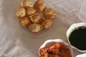 puris arranged in a plate
