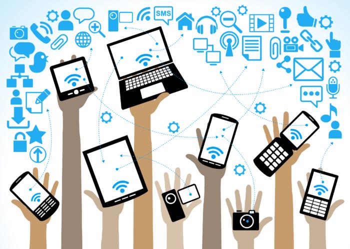 Komunikasi merupakan salah satu bagian yang paling dipengaruhi oleh adanya perkembangan teknologi. Dampak Teknologi Komunikasi Terhadap Gaya Hidup Sehari Hari