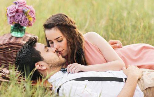 Romantic Love Sms Shayari In Hindi For Gf Bf