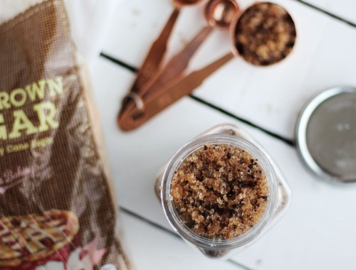 Coffe Sugar Scrub - a great diy gift or body scrub for yourself. Super for cellulite and stretch marks!