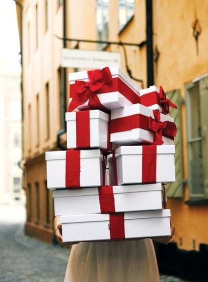 Holiday Giveaway!!