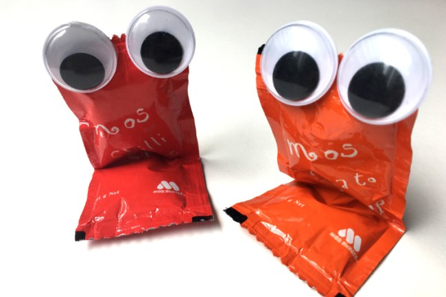 googly_eyes_sauce_packets