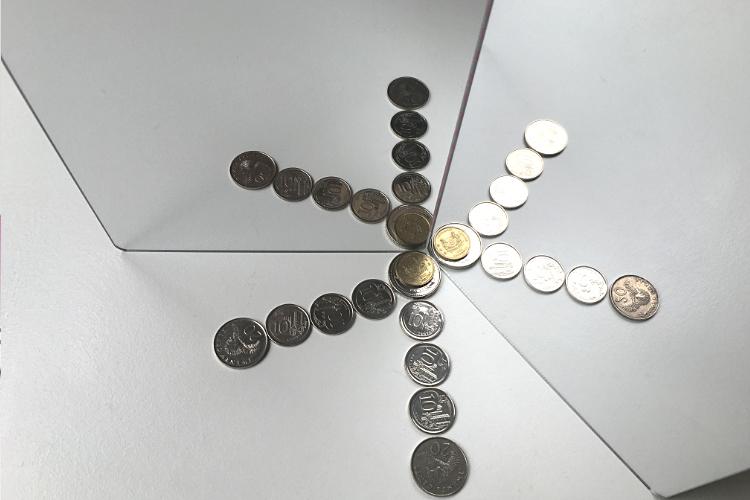 mirror_coin_snowflake