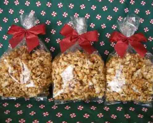 caramel-popcorn-in-gift-bags