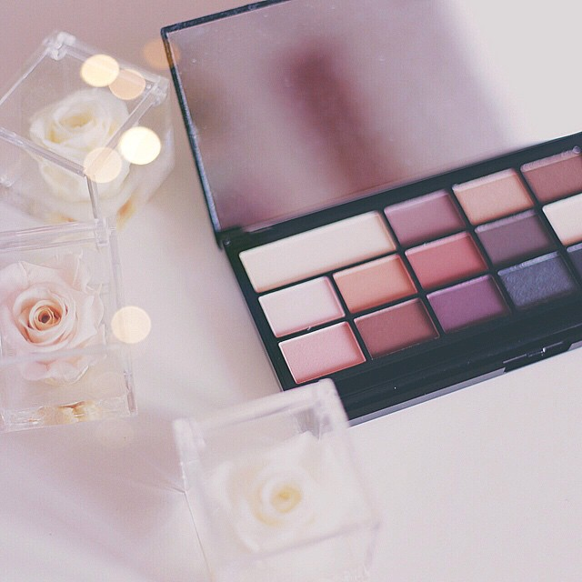 Super in love with my new Black Velvet palette by @makeuprevolution (via @maquillalia_ita)