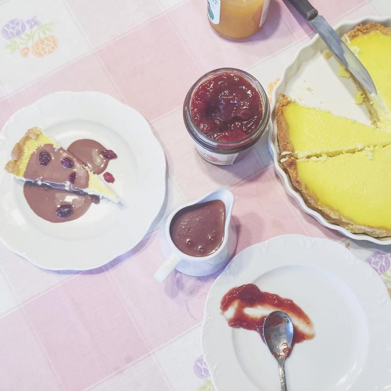 Saturday treats  #cheesecake on the table, happiness in the hearts  #nomnom #eeeeeats