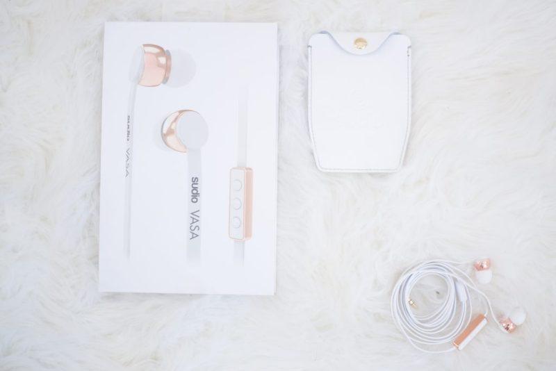 sudio-earphones-2