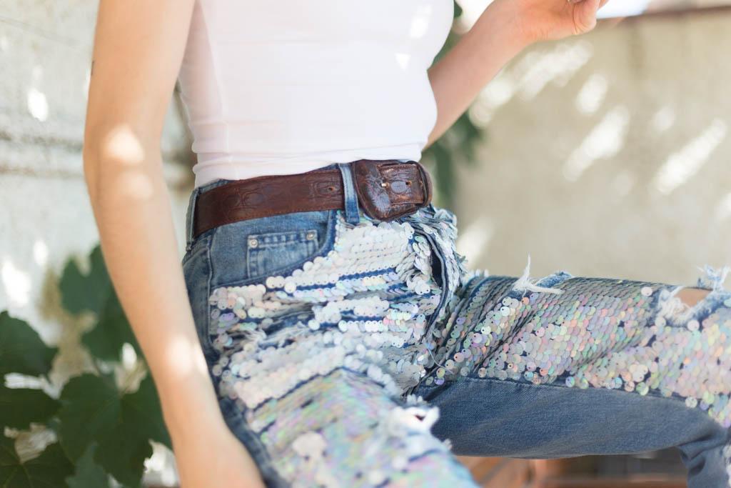 MOM jeans con paillettes olografiche