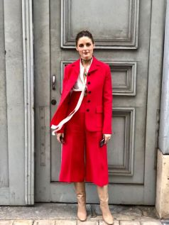 Olivia Palermo outfit completo rosso