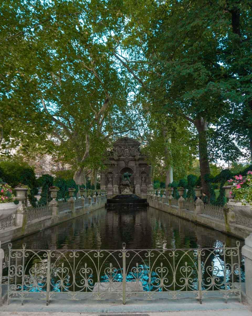 fontana dei medici giardini di lussemburgo