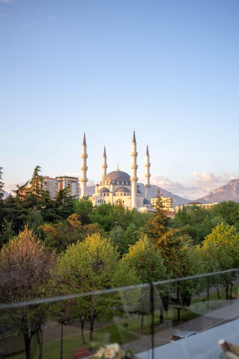 vista dalla moschea dal centro commerciale toptani