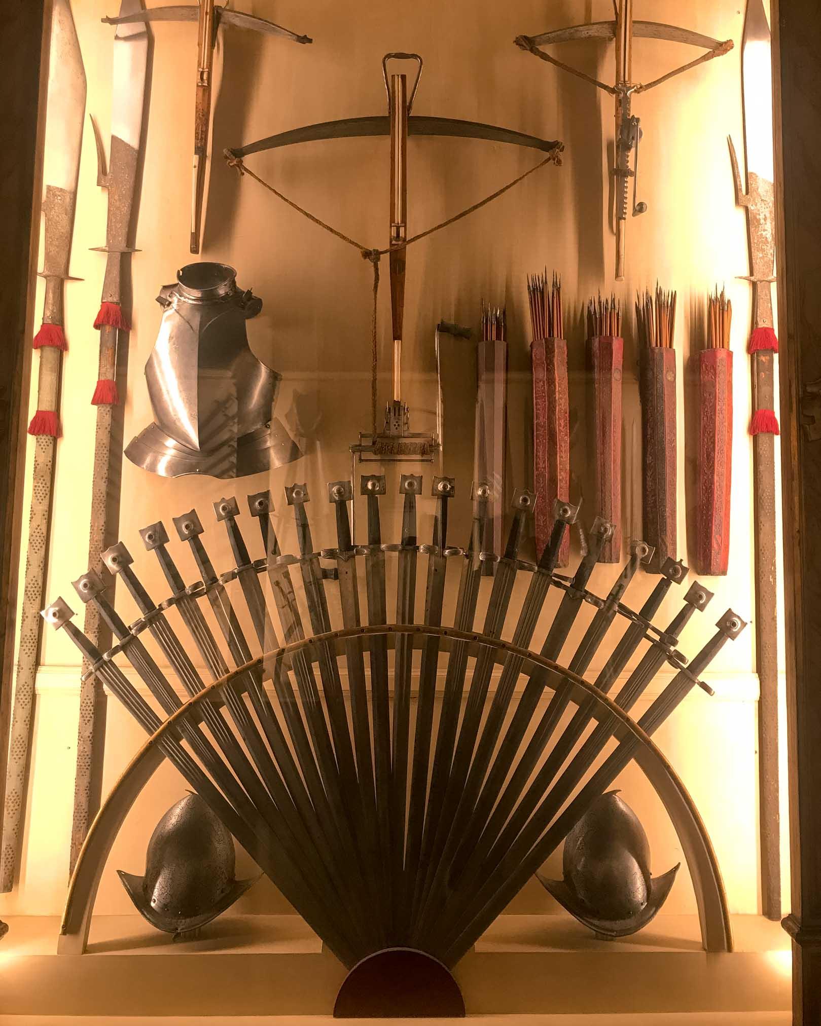 armi antiche nel museo di palazzo ducale