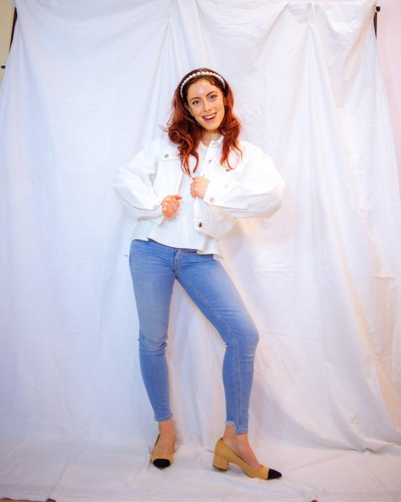 giacca in jeans bianca per la mezza stagione