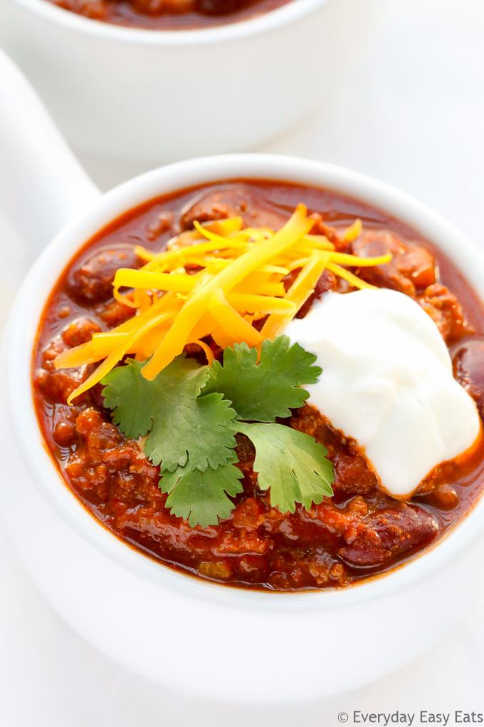 Classic Beef Chili (Chili con Carne) | Recipe at EverydayEasyEats.com