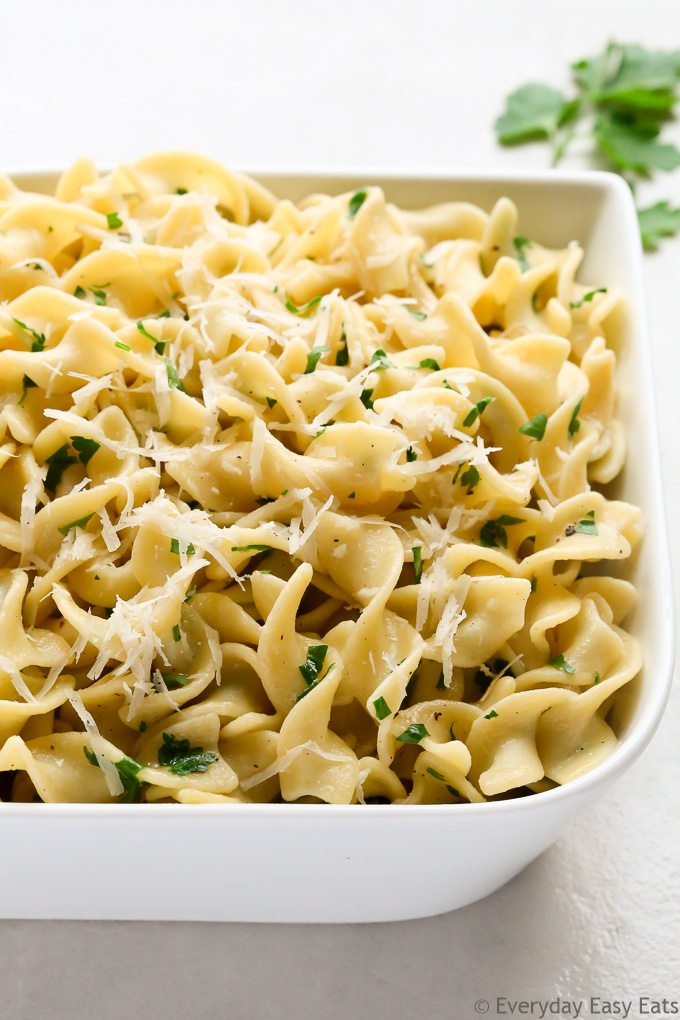 15-Minute Easy Buttered Noodles Recipe | EverydayEasyEats.com