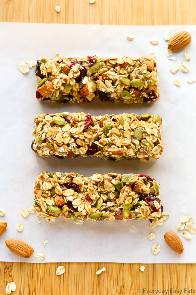 Healthy Fruit Amp Nut Granola Bars Everyday Easy Eats