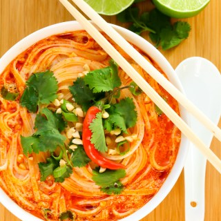 This easy Thai Spicy Noodle Soup recipe is quick, hearty and infused with fragrant Thai flavors. Ready to eat in just 15 minutes!   EverydayEasyEats.com