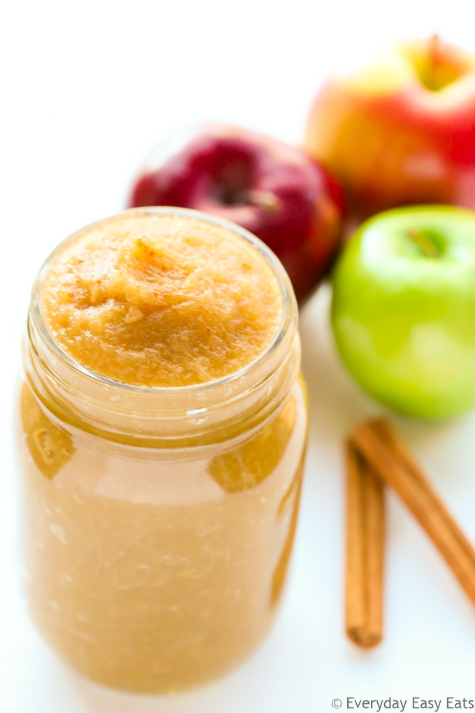Perfectly sweet, cinnamon-scented homemade applesauce. 5 ingredients and 30 minutes are all you need to make this fruity treat. | EverydayEasyEats.com