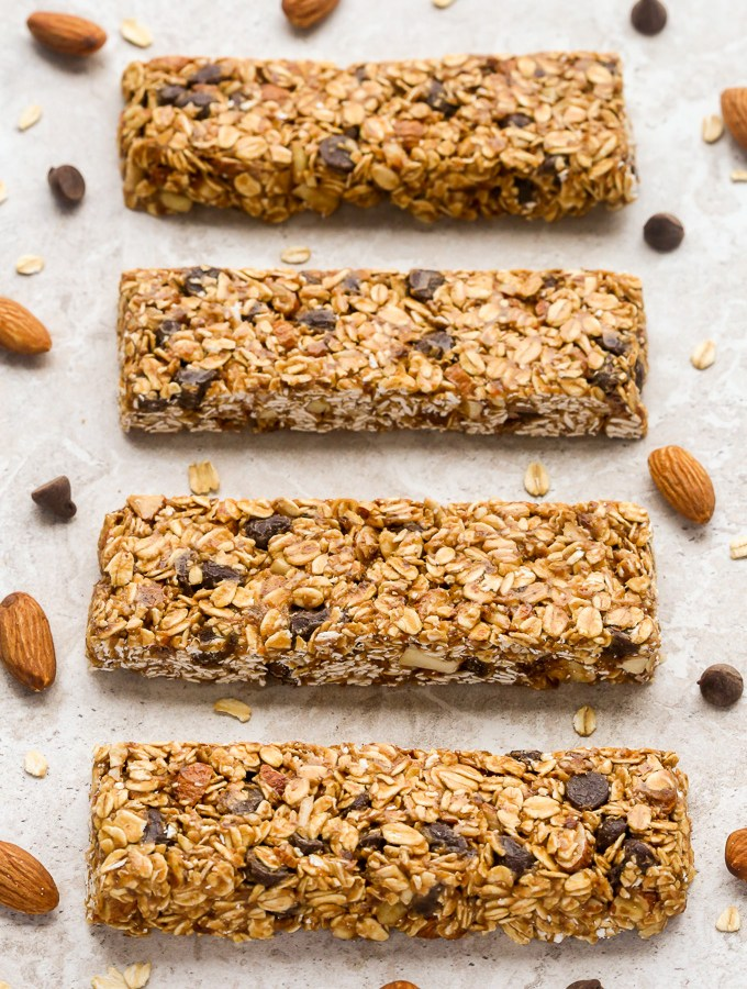 Healthy No-Bake Chocolate Almond Granola Bars | Recipe at EverydayEasyEats.com