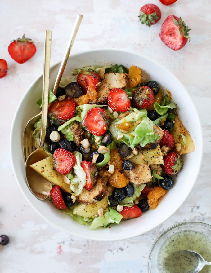 Healthy Grilling Recipes: Grilled Chicken Strawberry Poppyseed Salad