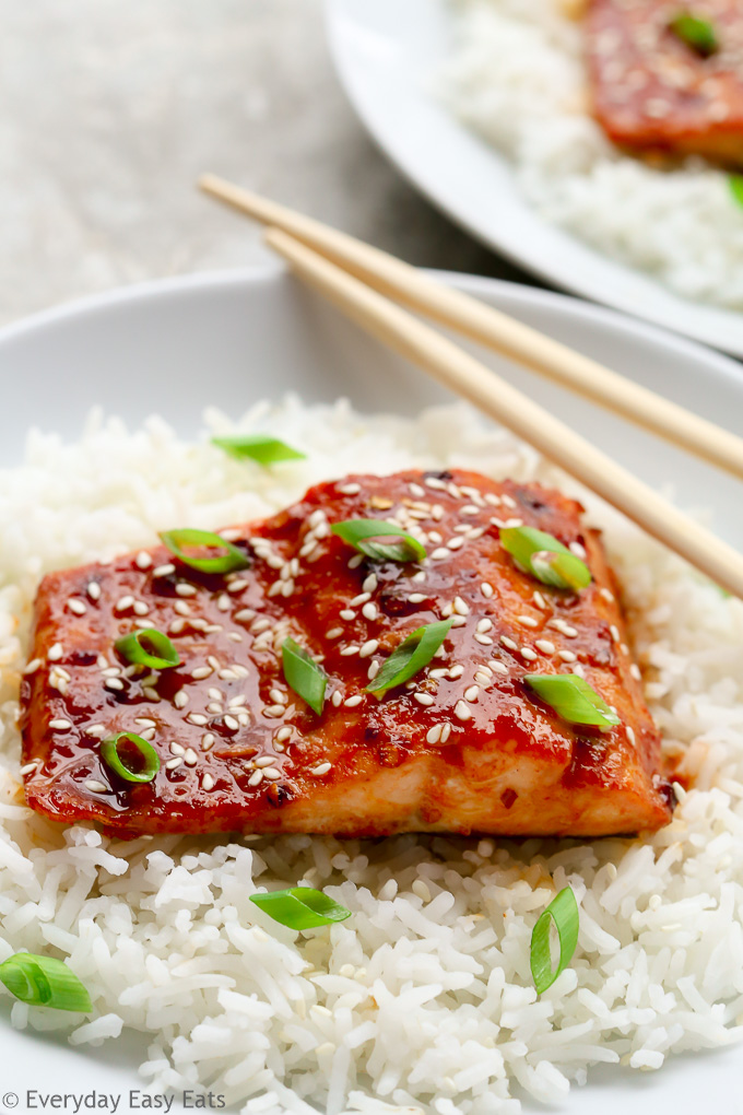 The Best Sources for Organic Meat Delivery: Honey Sriracha Salmon