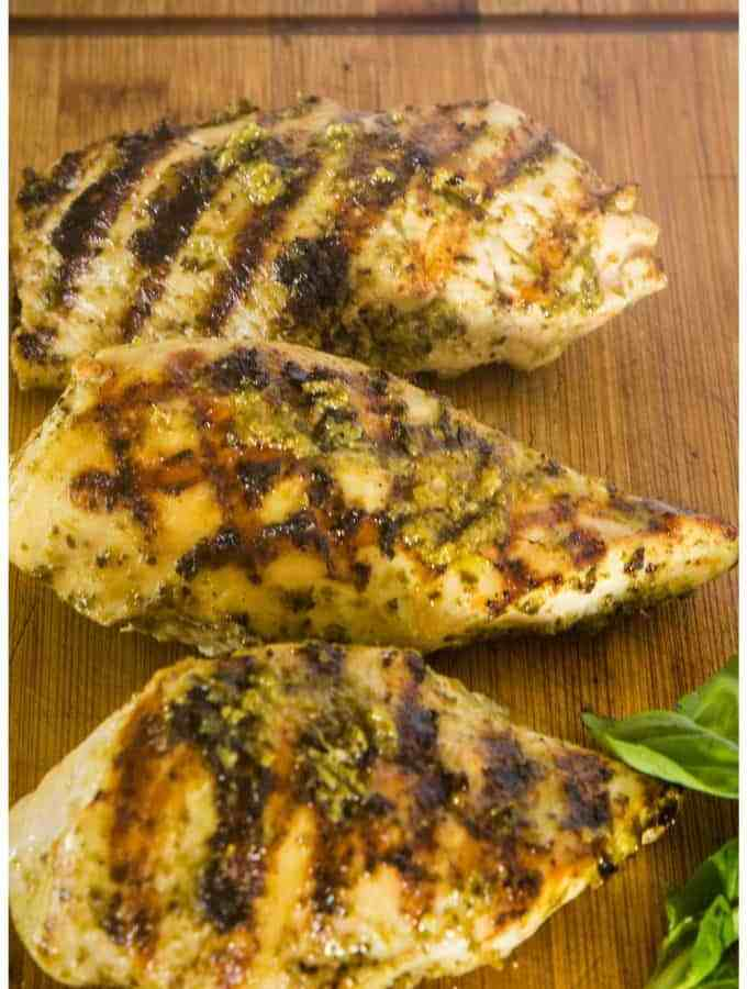 Easy Grilled Pesto Chicken #SummerGrilling