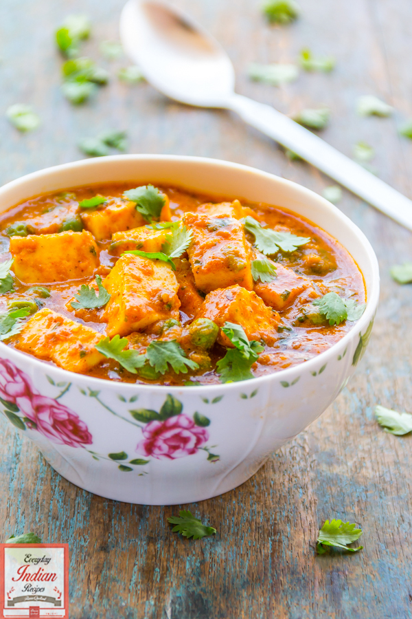 Matar paneer classic paneer gravy recipe everyday indian recipes i dont know how i missed matar paneer from my series of paneer recipes flavor quotient and i can hardly forgive myself for that forumfinder Gallery