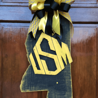 DIY Southern Miss Door Hanger