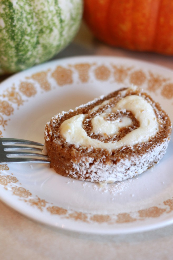 Pumpkin roll with cream cheese frosting. Recipe at everydayjenny.com