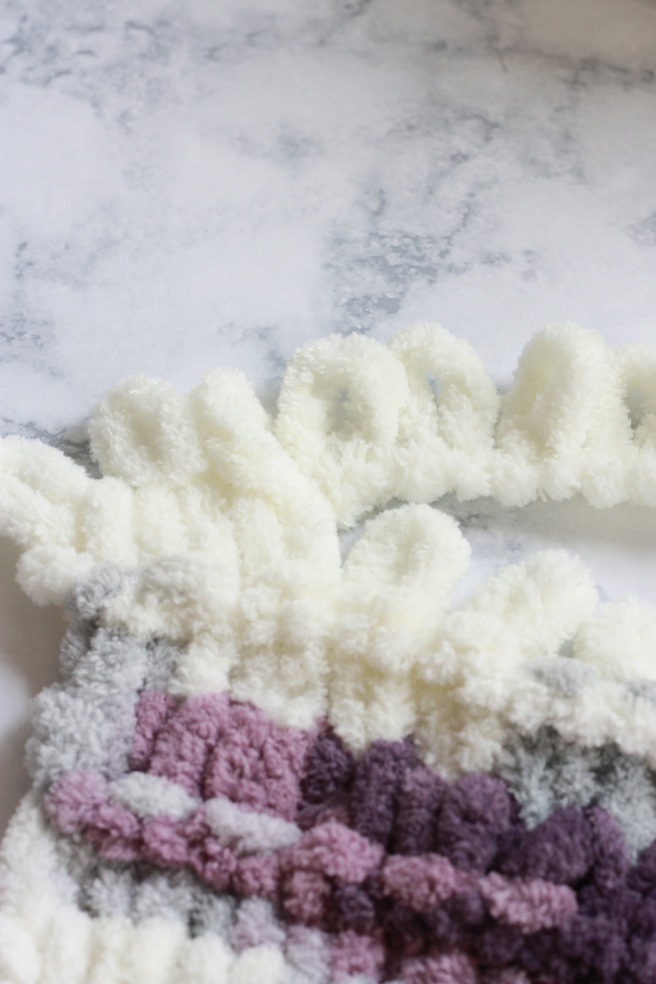 HOW TO FINGER KNIT A THROW BLANKET | EVERYDAY JENNY