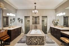 1105WCRR-bath-1-suite-121015