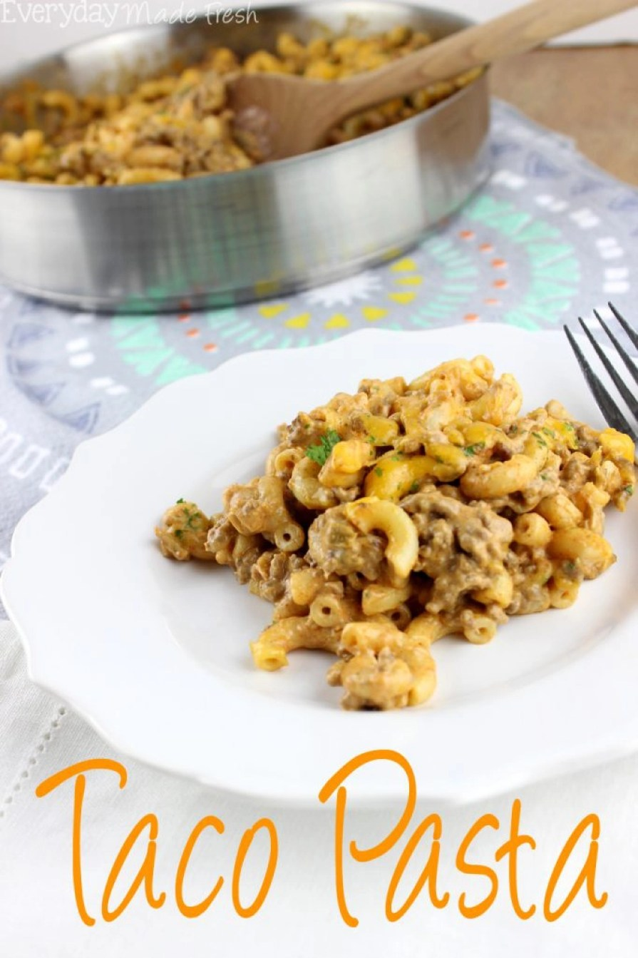 Who doesn't love a good pasta dish? This Taco Pasta is comfort food meets Mexican flavors!   EverydayMadeFresh.com