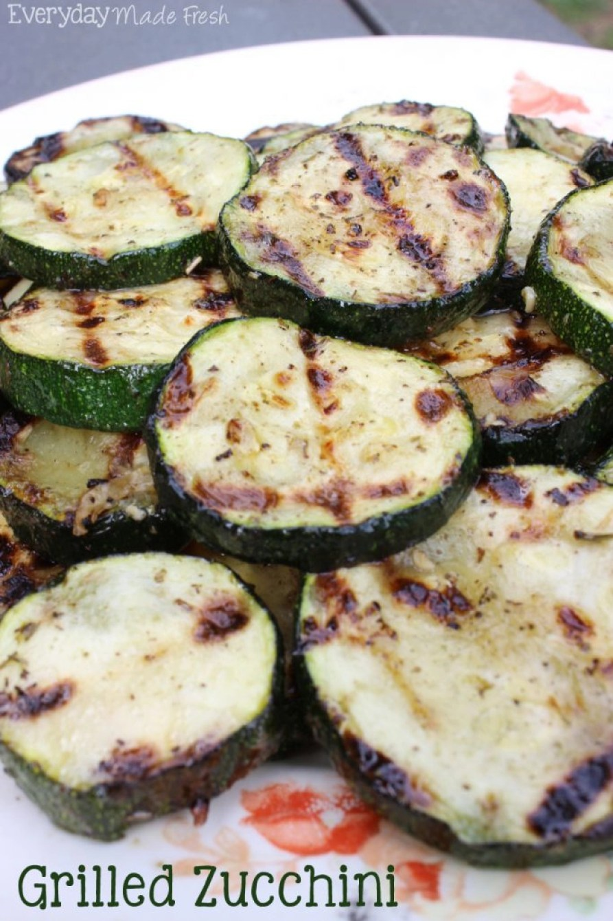 This Grilled Zucchini can be made on your grill outside or you can grill it up indoors! Either way, it will be ready in 10 minutes or less!   EverydayMadeFresh.com