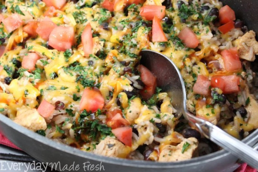 BBQ Ranch Chicken Skillet is a family pleasing one pan meal that is great for weeknights when time is of the essence!  | EverydayMadeFresh.com