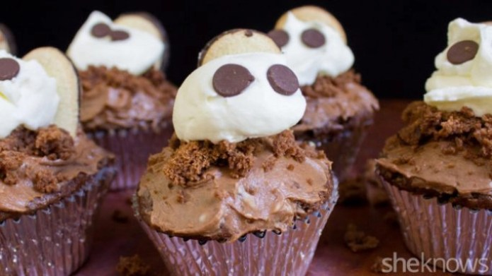 Chocolate Graveyard Cupcakes | SheKnows.com via ISayNoMato.com