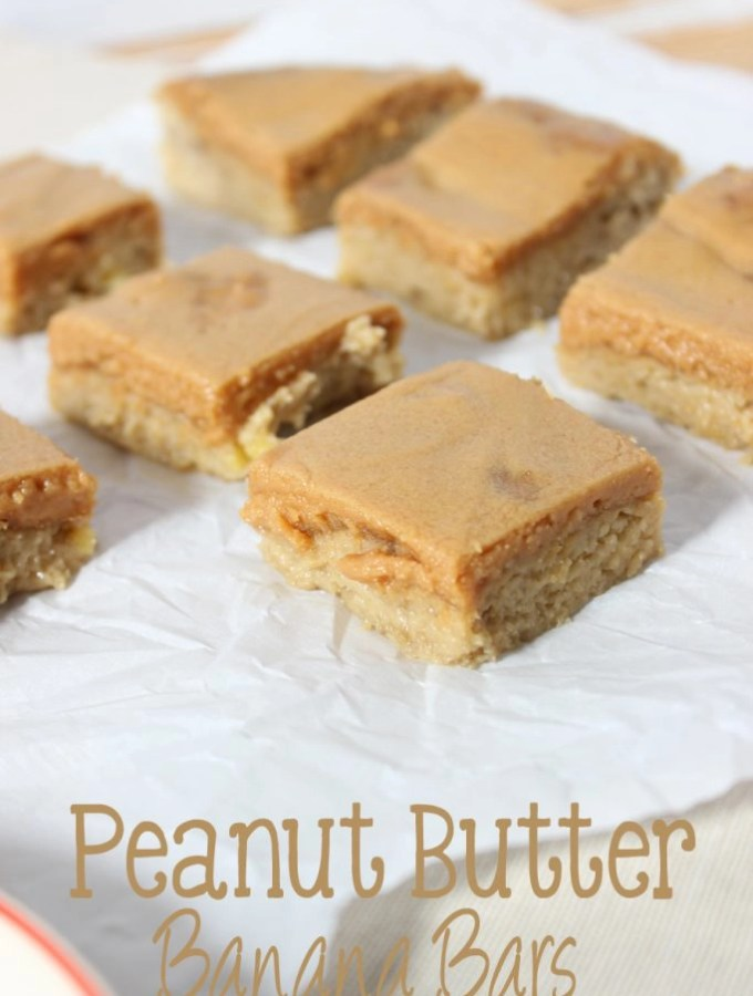 Peanut butter and banana remind me of my favorite childhood snack. These super easy Peanut Butter Banana Bars are going to become your favorite snack! | EverydayMadeFresh.com