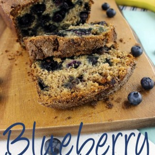 Banana bread just got an upgrade with fresh plump blueberries and a touch of cinnamon! This Blueberry Banana Bread is perfect for breakfast and snack time! | EverydayMadeFresh.com