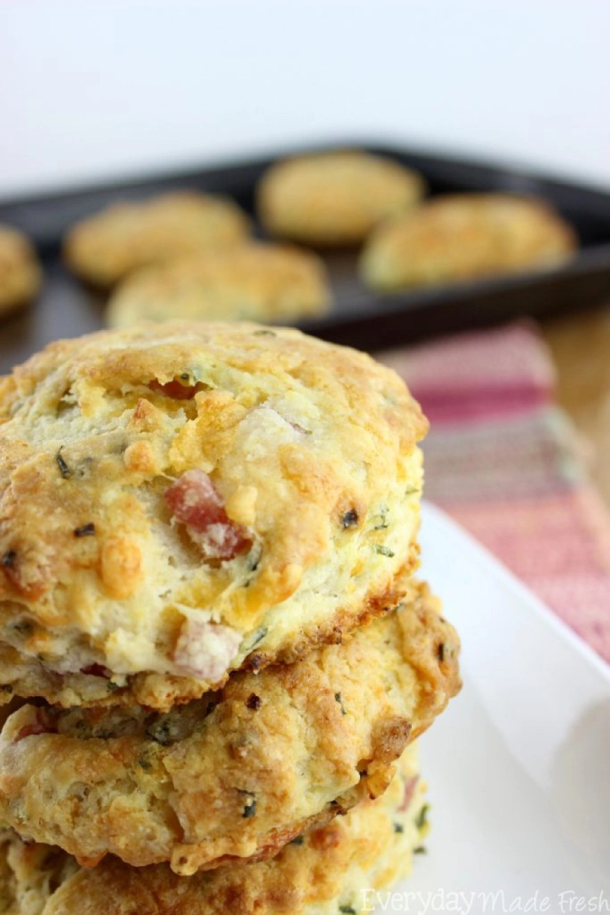 Who doesn't love a fluffy homemade buttermilk biscuit? Ok, so who wants a simple to make fluffy homemade buttermilk biscuit with chunks of ham and cheese? These Ham and Cheese Biscuits are everything you'd ever want in a biscuit! | EverydayMadeFresh.com