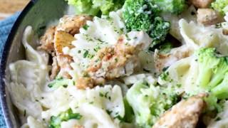 30 Minute Creamy Chicken & Broccoli