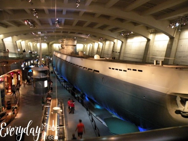 As a homeschooling family, it's easy to to keep up the learning while on vacation. Today I'm sharing about our recent trip, Homeschooling on Vacation in Chicago: Visiting the Museum of Science and Industry. | EverydayMadeFresh.com
