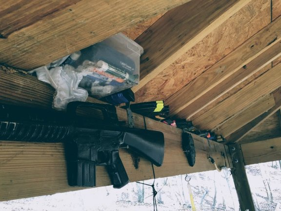 Max Velocity Tactical rubber training rifle and loose magazines