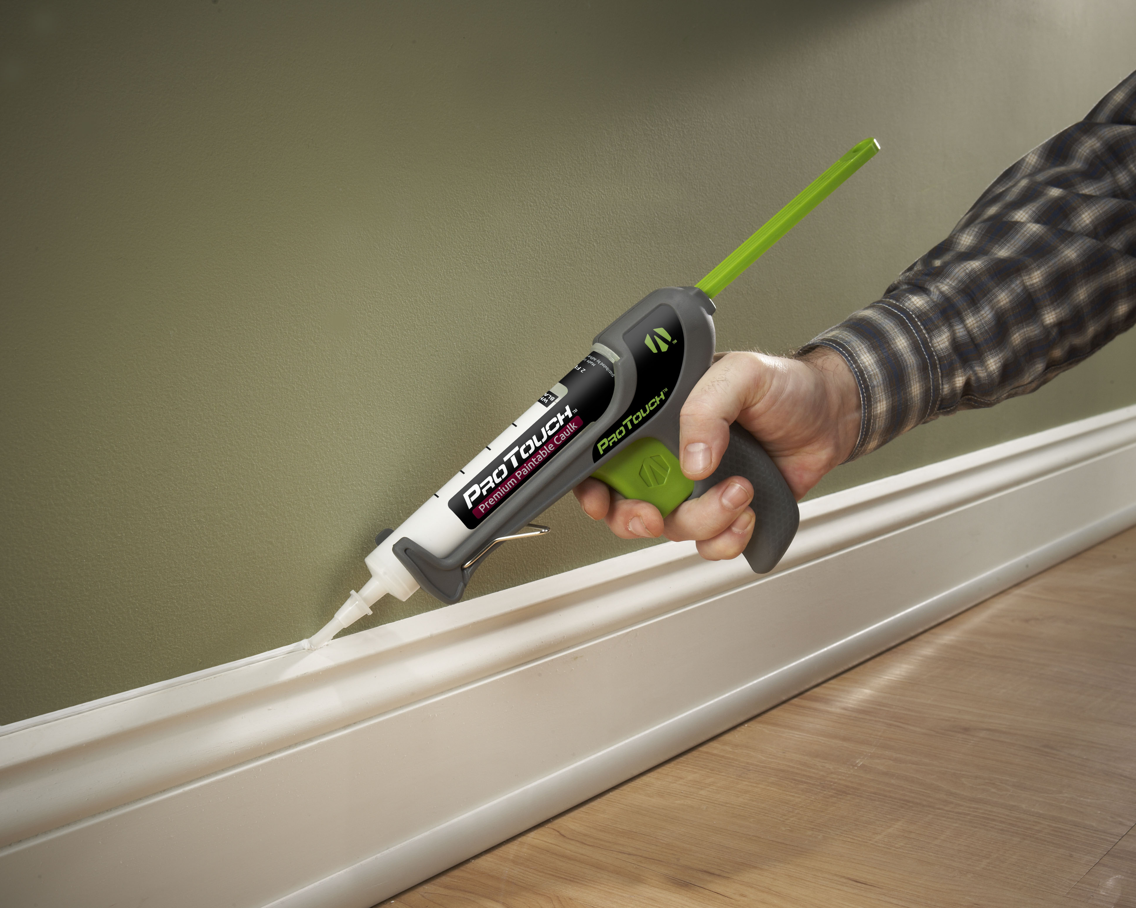 Contact Everyday Pros for all your Caulking Services in