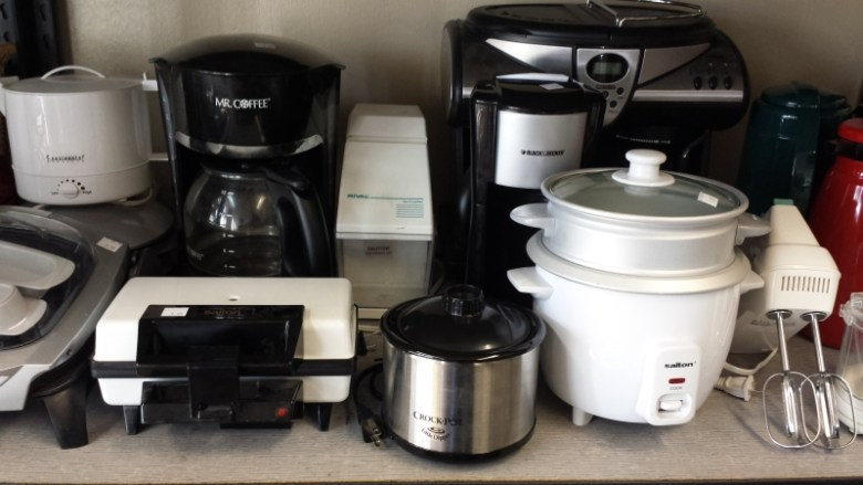 Appliances 7 Things College Students Should Buy at Thrift Stores