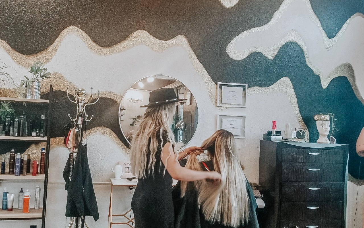 A Guide To Hand-Tied Hair Extensions