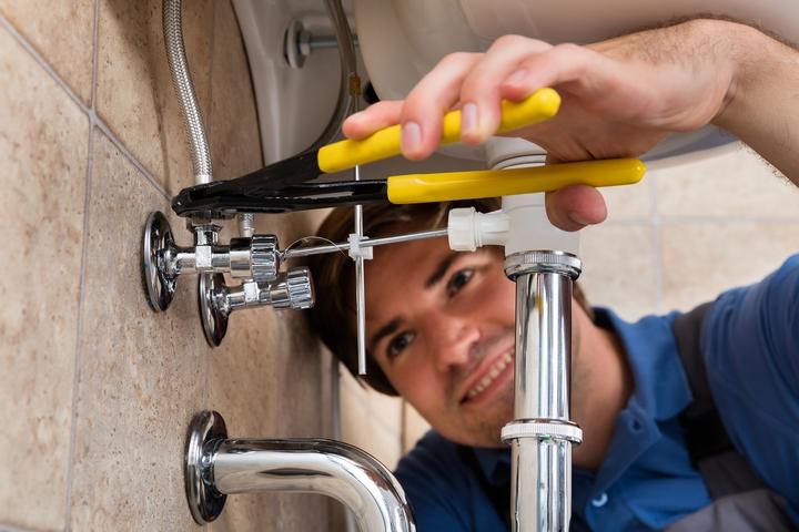 fix leaking kitchen faucet