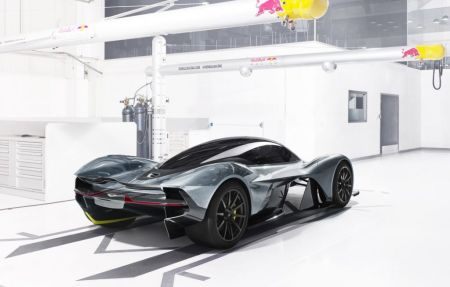 Aston Martin AM-RB 001 Revealed on Everyman Driver 2
