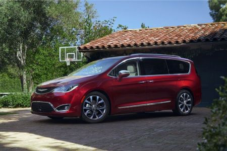2017 Chrysler Pacifica on Everyman Driver with Dave Erickson