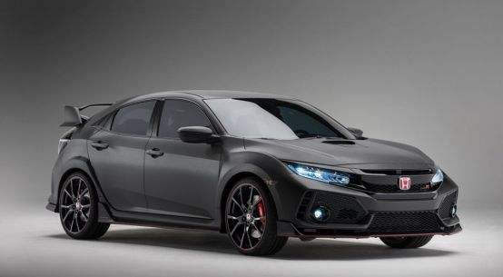 THE 2018 HONDA CIVIC TYPE R MAKES ITS NORTH AMERICAN DEBUT EVERYMAN DRIVER, DAVE ERICKSON