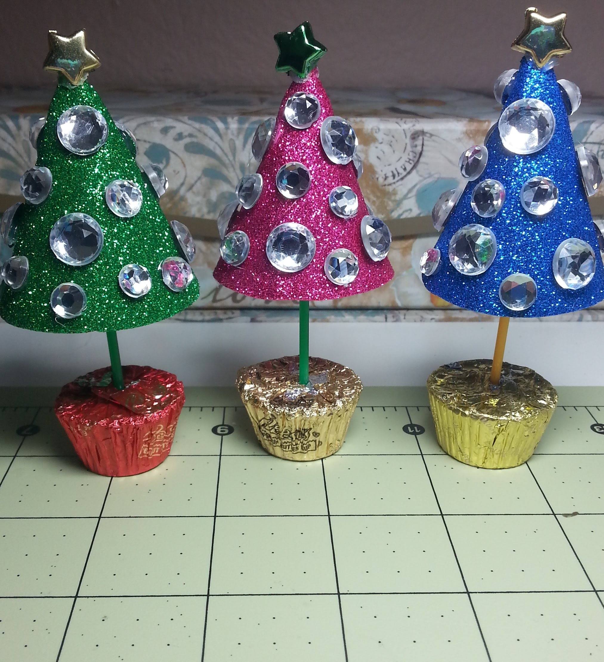 DIYSweet Amp Sparkly Little Christmas Trees For Decoration